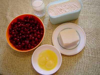 1. Ингредиенты: 3 желтка, 3/4 стакана сахара, 200г маргарина